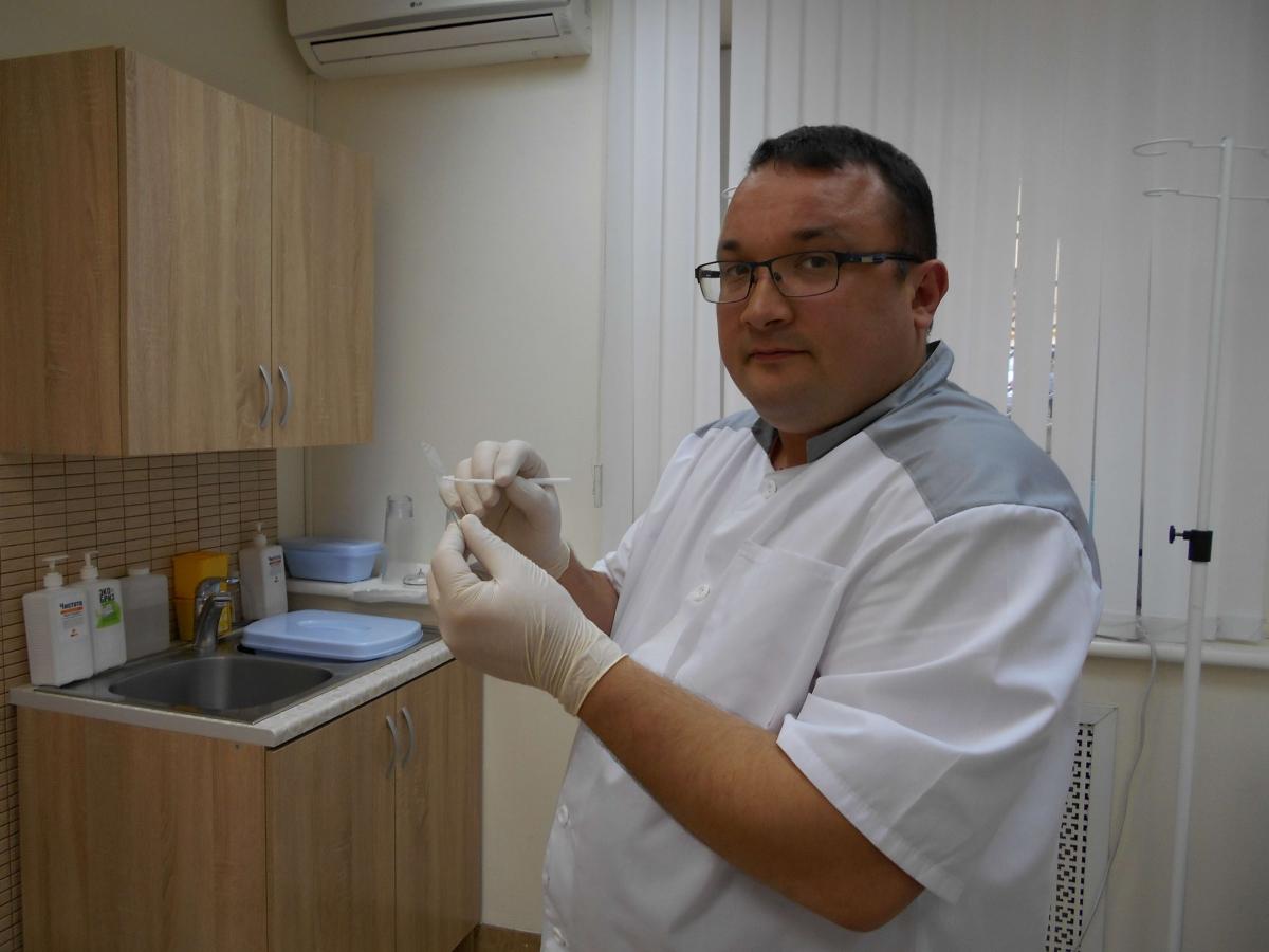 венеролог Ленкин С.Г. берет анализ на герпес