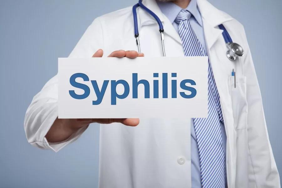 лечит ли сифилис дерматовенеролог