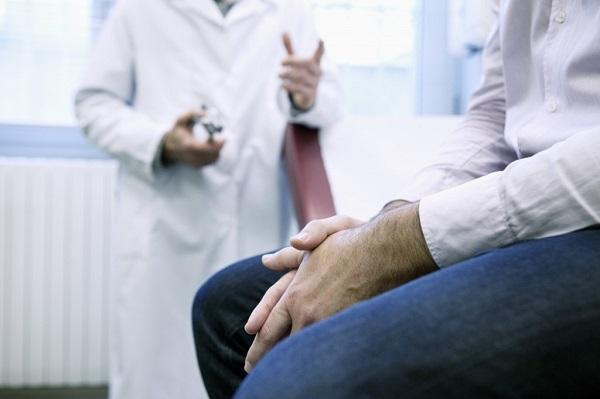 Что смотрит дерматовенеролог у женщин