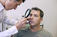 дерматовенеролог: что лечит